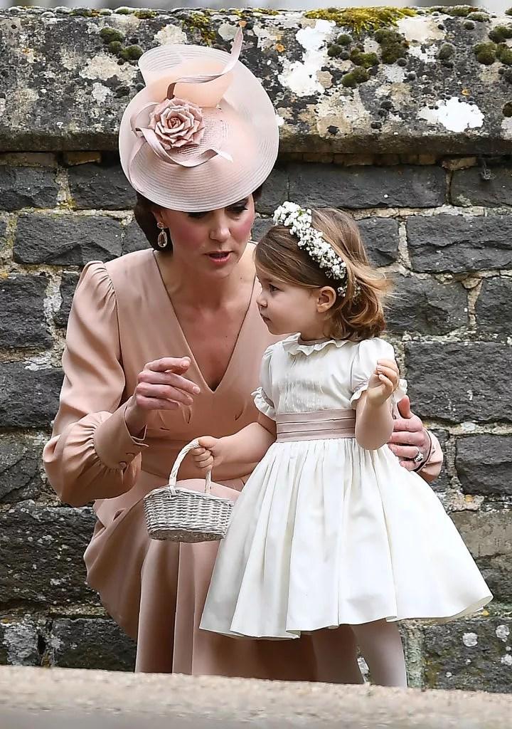 George e Charlotte roubam a cena no casamento de Pippa Middleton  Vogue  News