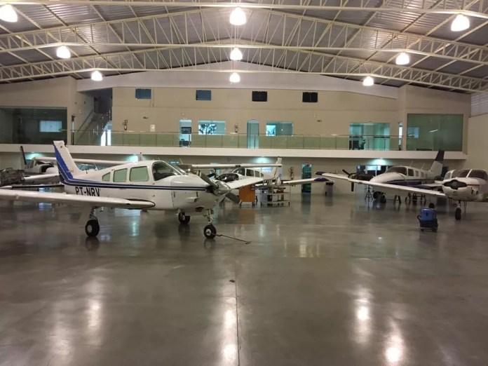 Aeronaves que, segundo a PF, eram usadas por quadrilha especializada em tráfico internacional de drogas — Foto: Divulgação/PF