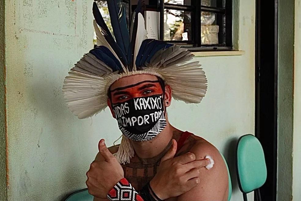 Índio Kaxixó vacinado em Minas Gerais — Foto: Otávio Kaxixó/Arquivo pessoal