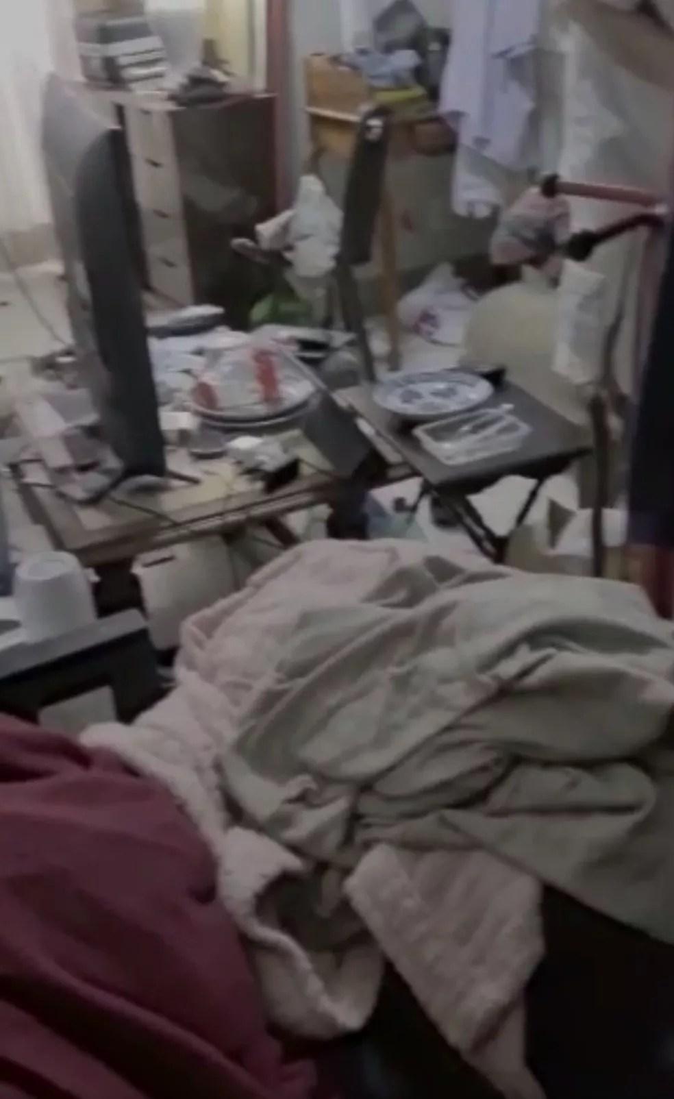 Situação de casa de idosa vítima de maus-tratos, no DF — Foto: PCDF/Divulgação