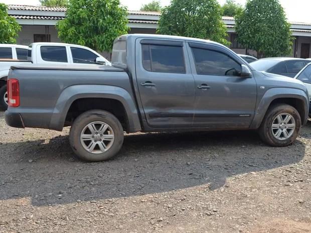 O homem que estava na picape contou aos policiais que pagou R$ 90 mil pelo carro. (Foto: Rogério Aderbal)