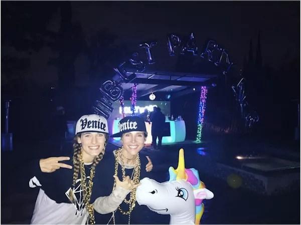 Elsa Pataki na festa organizada por Miley Cyrus (Foto: Instagram)
