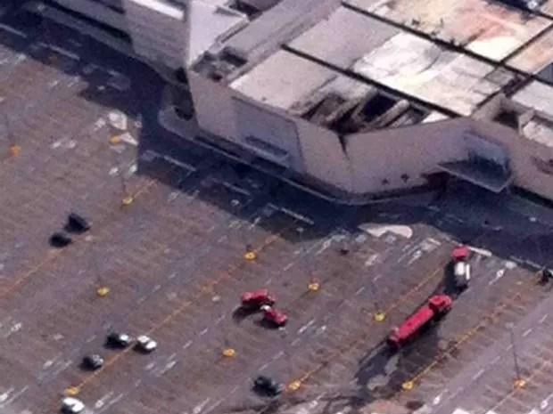 Incêndio causou danos na estrutura do Maxi Shopping Jundiaí (Foto: Carlos Fernandes/TEM Você)
