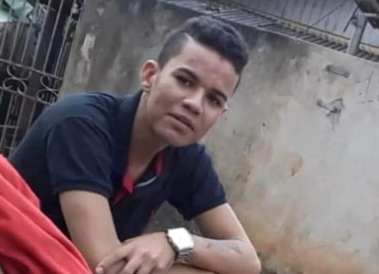 Sávio Lima estava foragido e foi preso no início de maio deste ano quando tentava sair de Rio Branco com droga — Foto: Divulgação PC/AC