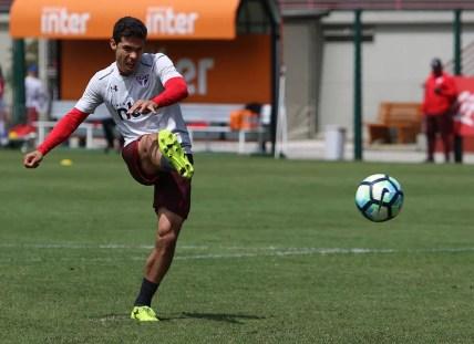 Hernanes fez a diferença a favor do São Paulo (Foto: Rubens Chiri / saopaulofc.net)