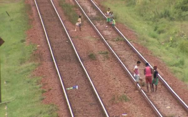 Violação dos direitos de quem mora próximo da Estrada de Ferro Carajás no MA já foi motivo de denúncias (Foto: Reprodução/TV Mirante)
