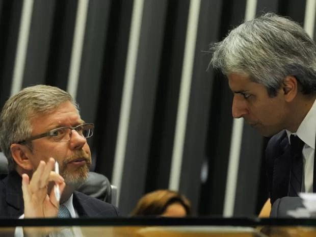 O presidente da Câmara, Marco Maia (PT-RS), e o relator do Marco Civil da Internet, Alessandro Molon (PT-RS) (Foto: Valter Campanato/ABr)