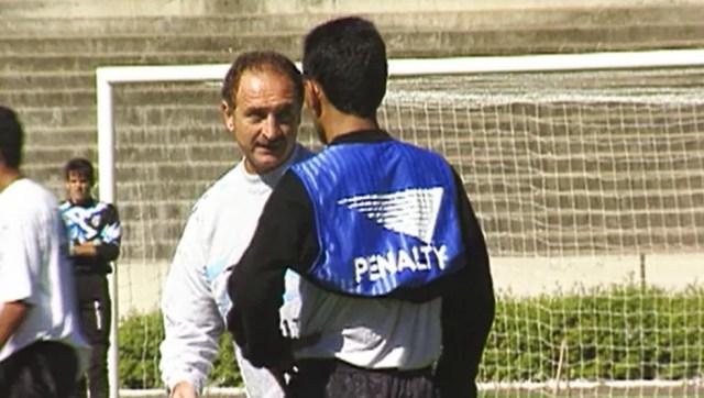 Felipão treina o Grêmio nos anos 90: campeão em todos os anos — Foto: Reprodução/RBS TV