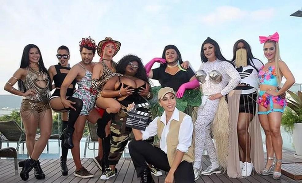 Anitta e seus convidados prontos para o Bloco das Poderosas, que desfila este sábado (17) no Centro do Rio (Foto: Reprodução/ Instagram)