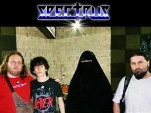 A nova formação da Spectrus (da esquerda): Danilo Paulus (vocal), Yago Magalhães (bateria), Gisele marie (Guitarra) e Edu Melo (baixo) (Foto: Divulgação)