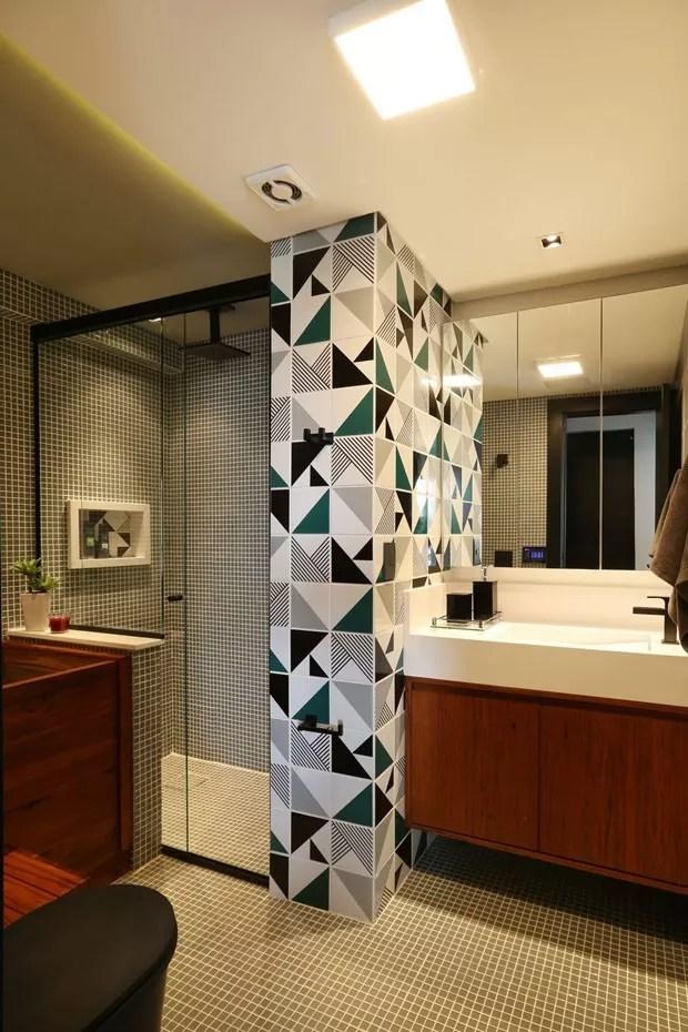 10 banheiros com ladrilho hidrulico e azulejo colorido