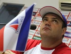 Vica, técnico do Fortaleza (Foto: Lucas de Menezes/Agência Diário)