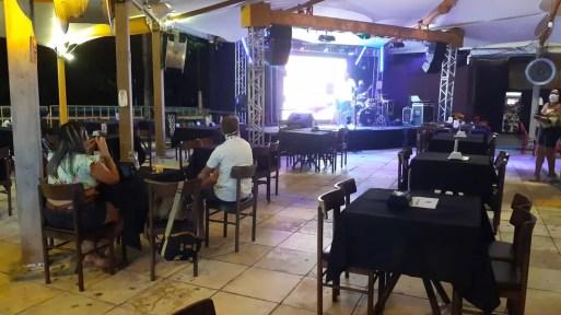 Prefeitura permite funcionamento de bares e restaurantes até 21h, todos os dias da semana — Foto: Sérgio Henrique Santos