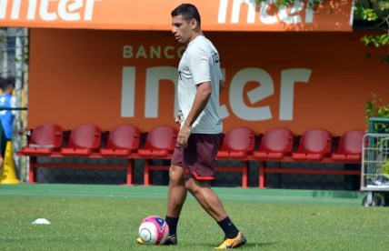 Diego Souza durante treino do São Paulo (Foto:  Érico Leonan / saopaulofc.net)
