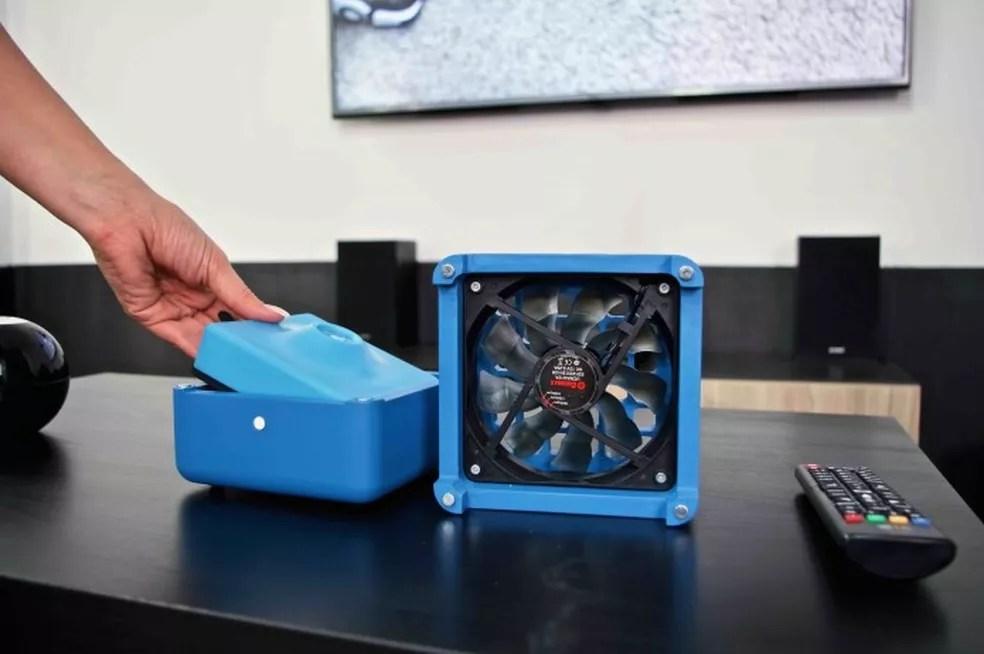 Para utilizar o Geizeer, é necessário congelar o gel térmico em seu interior (Foto: Divulgação/Geizeer)