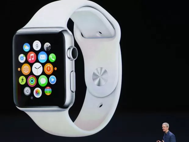 Tim Cook, CEO da Apple, anuncia o Apple Watch (Foto: Justin Sullivan/Getty Images/AFP)
