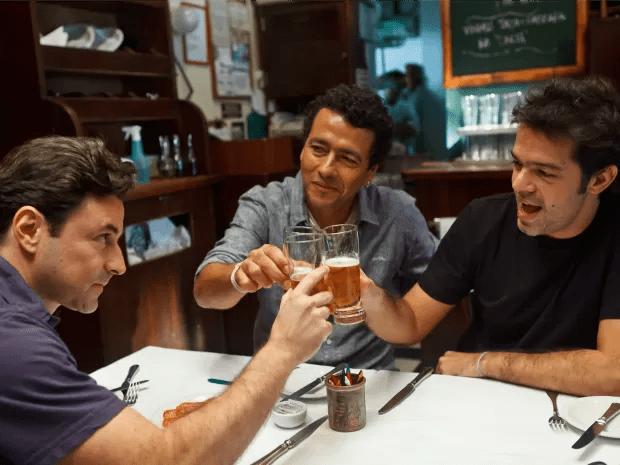O comediante Bruno Mazzeo e os atores Marcos Palmeira e Emilio Orciollo Netto estão no longa (Foto: Divulgação)