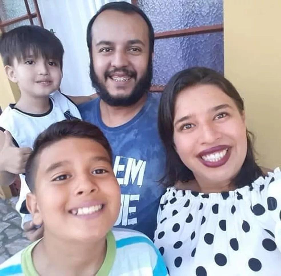 Stephan Caruso, de 33 anos, com a família: filho, esposa e enteado, em Boituva (SP) — Foto: Arquivo Pessoal
