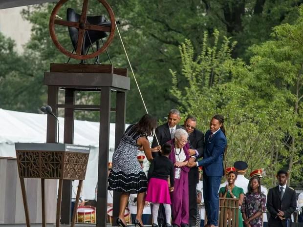 Presidente dos Estados Unidos, Barack Obama inaugura museu afro-americano em Washington (Foto: Zach Gibson / AFP)
