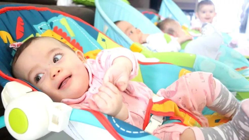 Luciane é mãe dos quadrigêmeos Nicolas, Antonella, Sofia e Valentina (Foto: Otávio Daros/G1)
