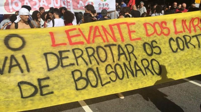 Faixa no protesto da Avenida Paulista — Foto: Gabriela Gonçalves/G1