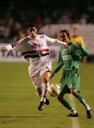 Cicinho São Paulo - Libertadores 2005 (Foto: Beto Barata / Agência Estado)