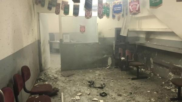 Posto de atendimento do Bradesco após explosão em Lagoa dos Gatos (Foto: WhatsApp/Reprodução)
