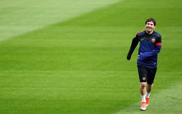 Messi no treino do Barcelona (Foto: Reuters)