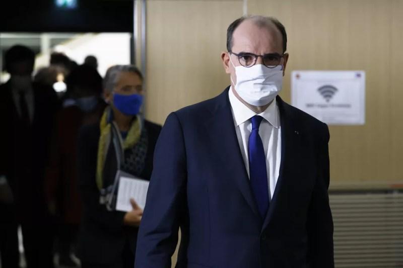 Jean Castex, primeiro-ministro da França, durante reunião sobre a pandemia nesta quinta-feira (14) — Foto: Thomas Coex/Pool/AFP