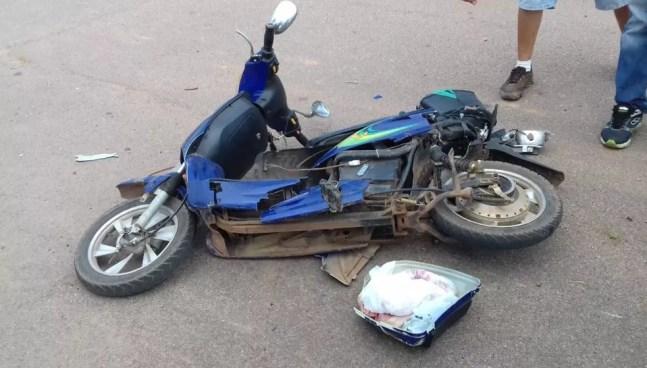 Idoso dirigia uma motocicleta quando foi atingido (Foto: Jefson Dourado/Rede Amazônica Acre)