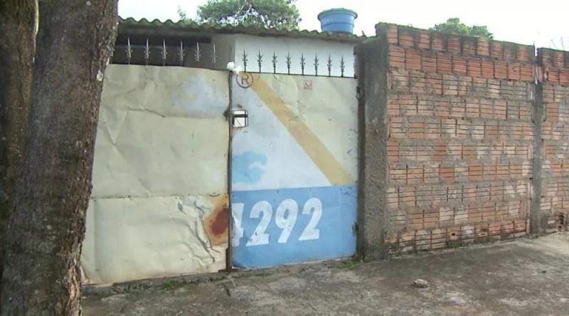 Juliana de Fátima Faria Alves, de 30 anos, foi achada morta dentro de casa, em Jaboticabal, SP — Foto: Reprodução/EPTV