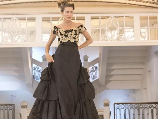 Hanna mostra boa forma também em vestido de gala (Foto: Inácio Moraes/Gshow)