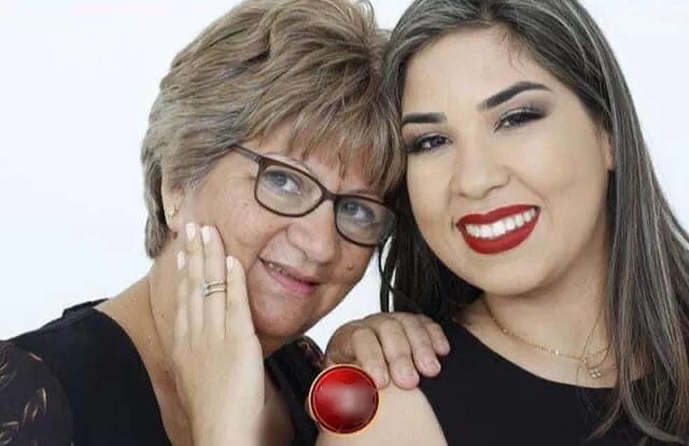Loren com a mãe comemorando 1º 'Dias das Mães' com vacina contra a Covid-19, em Campo Grande (MS). — Foto: Arquivo Pessoal