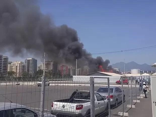 Incêndio atinge contêiner no Parque Olímpico nesta quinta-feira (7) (Foto: Divulgação/ Arquivo pessoal)