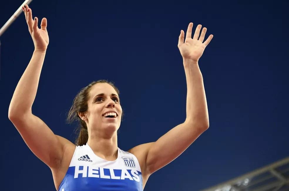 Ekaterini Stefanidi disse que manter os Jogos para a data programada era uma irresponsabilidade do COI — Foto: Reuters