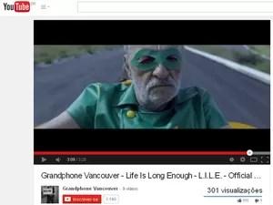 Clipe mostra o herói já aposentado (Foto: Reprodução/Youtube/Grandphone Vancouver)