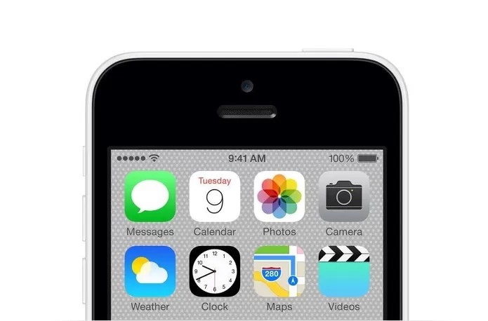 iPhone 5C e outros aparelhos da Apple tem imagens de divulgação com o horário de 9:41 AM (Foto: Divulgação/Apple)