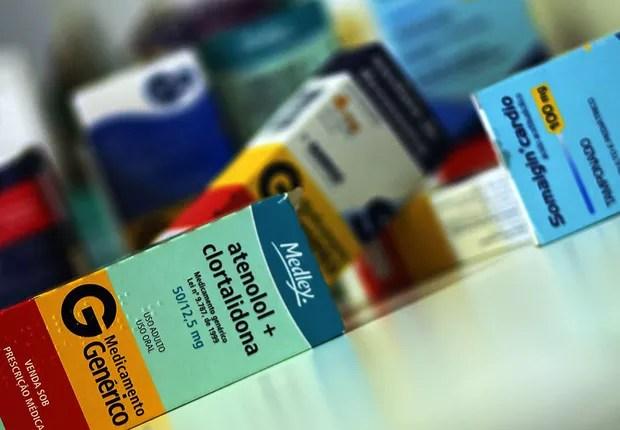Resultado de imagem para Governo autoriza reajuste de até 4,76% no preço de medicamentos