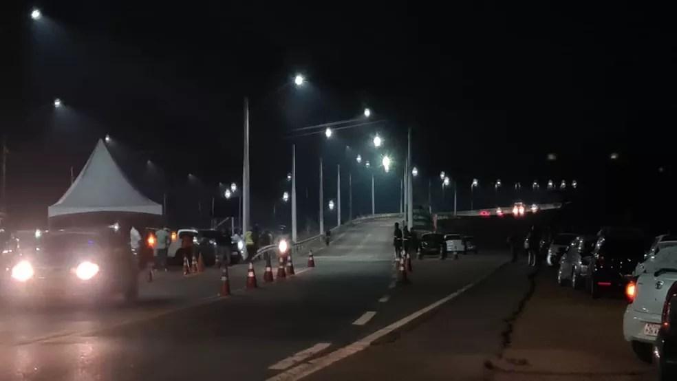Iluminação na ponte sobre o rio Madeira — Foto: Armando Junior/Rede Amazônica