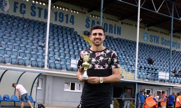 De volta à Eslováquia, Peu já ganhou prêmio por ser artilheiro da segunda divisão local — Foto: Tibor Ory / Fluminense Samorin