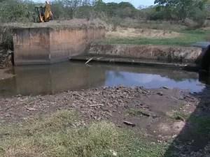 Nível de Rio Canos, em Franca, caui 40% (Foto: Márcio Meirelles/ EPTV)