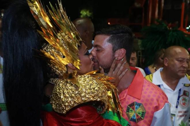 juliana paes com carlos eduardo baptista (Foto: Dilson Silva/AgNews)