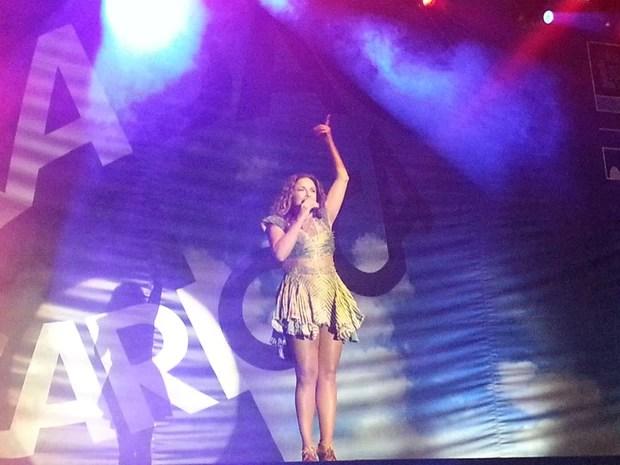 """Daniela Mercury começa o show no Parque de Madureira com a música """"Canto da Cidade"""".  (Foto: Renata Soares / G1)"""