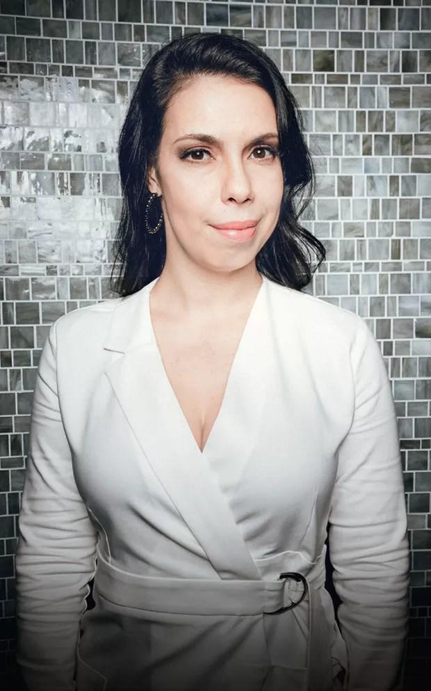 """""""Sofri muito. Fui iludida várias vezes. Não vou mais aturar quem me trata mal"""" — Isa Gil, 37, consultora de marketing (Foto: Alex Batista)"""