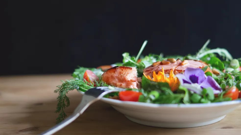Acredita-se que Dieta Mediterrânea tenha efeito poderosamente positivo na saúde mental — Foto: Unplash/Divulgação