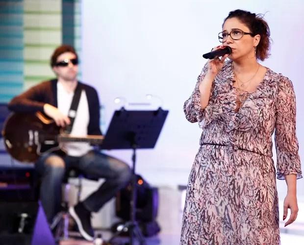 Maria Rita concentrada na passagem de som (Foto: Fábio Rocha / Gshow)