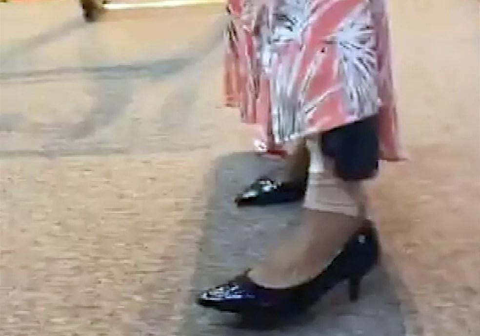 Flordelis exibe tornozeleira durante culto — Foto: Reprodução