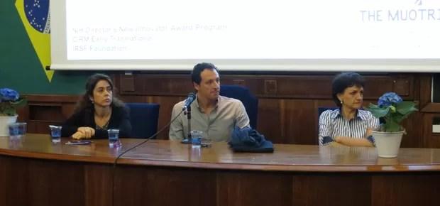 Patrícia Brandão, Alysson Muotri e Berenice Piana durante palestra no Instituto de Psiquiatria da USP (Foto: Marcela Bourroul/ Crescer)