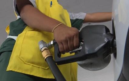 Lei que obriga postos a informar o tipo de gasolina foi publicada no Diário Oficial do Estado da Paraíba — Foto: Reprodução/TV Paraíba