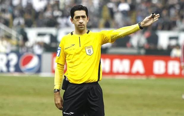 Rodrigo Braghetto árbitro de futebol (Foto: Futura Press)